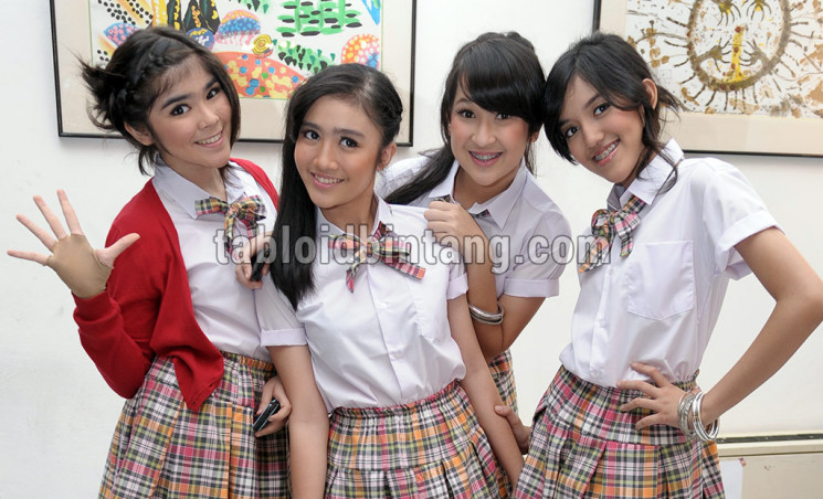 Blink. (tabloidbintang.com)