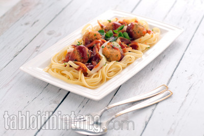 Resep Fettuccine with BBQ Meatballs