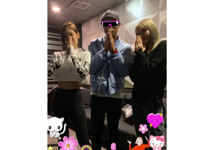 Jennie dan Lisa Blackpink Pose Bareng Pharrell Williams, Fans Baper
