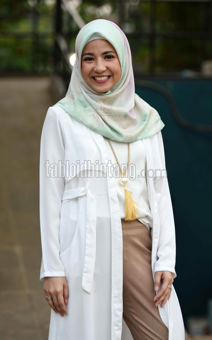 Natasha-Rizky-di-acara-Wardah-Pop-Up-Kitchen_SEN170607_2.jpg