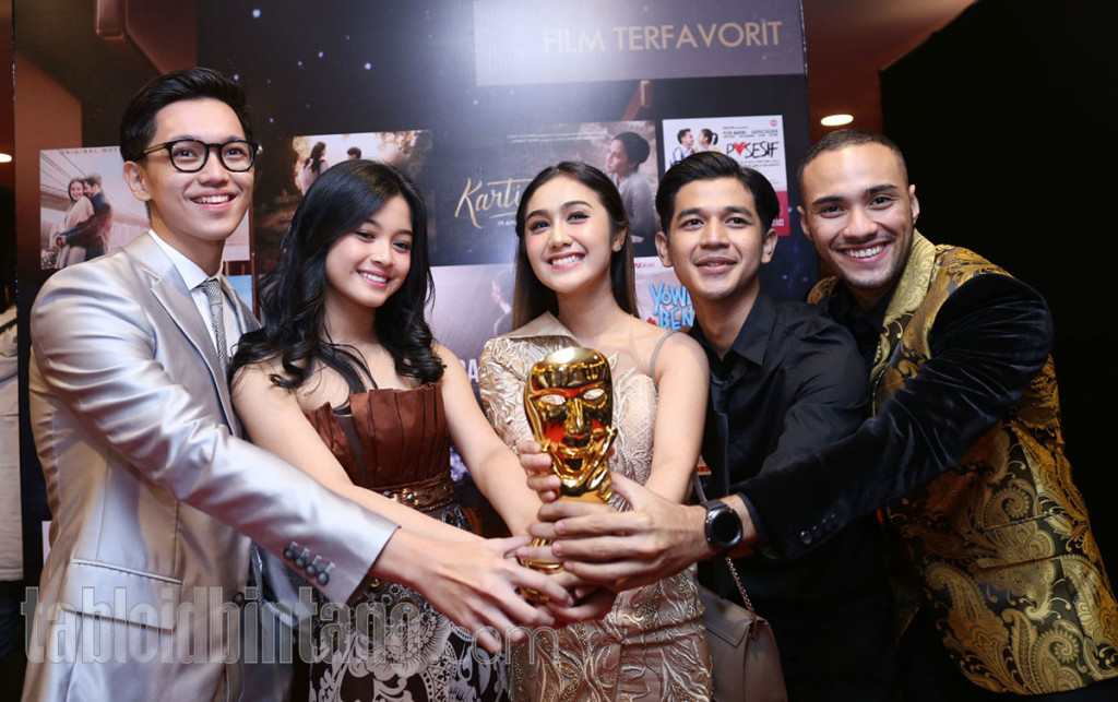Potret Kebanggaan Sederet Pemenang Indonesian Movie Actors Awards 2018