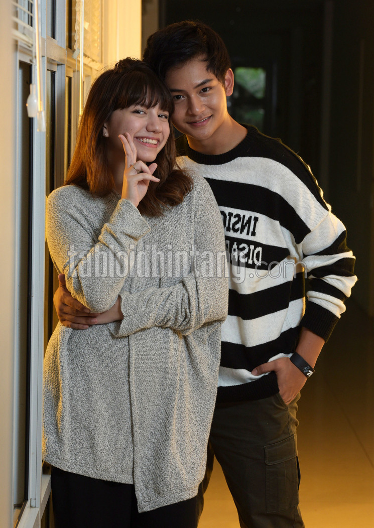 Randy Martin dan kekasihnya, Cassandra Lee, bintangi film horor After School Horror 2. (Seno/tabloidbintang.com)